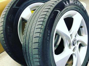 トヨタC-HR純正装着タイヤミシュランのプライマシー4タイヤサイズ215/60R17