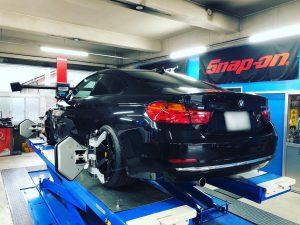 BMW4シリーズ四輪アライメント調整調整